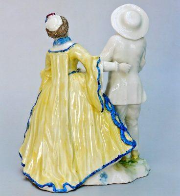 """Figurenpaar """"Pierrot und Violetta"""" aus der Comedia dell'arte (von hinten)"""