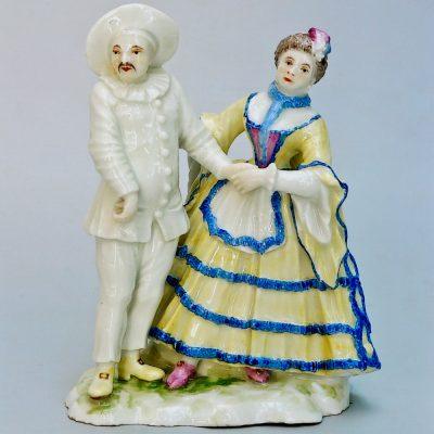 """Figurenpaar """"Pierrot und Violetta"""" aus der Comedia dell'arte (von vorne)"""