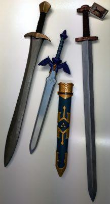 """Neuankauf und Leihgaben - Zwei LARP-Schwerter und das """"original"""" Legend of Zelda-Schwert"""