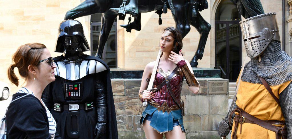 Darth Vader, Wonder Woman und Ritter