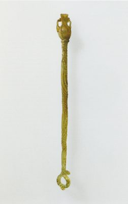 Ein Glas-Spinnrocken aus der Zeit zwischen 100 v. bis 100 n. Chr
