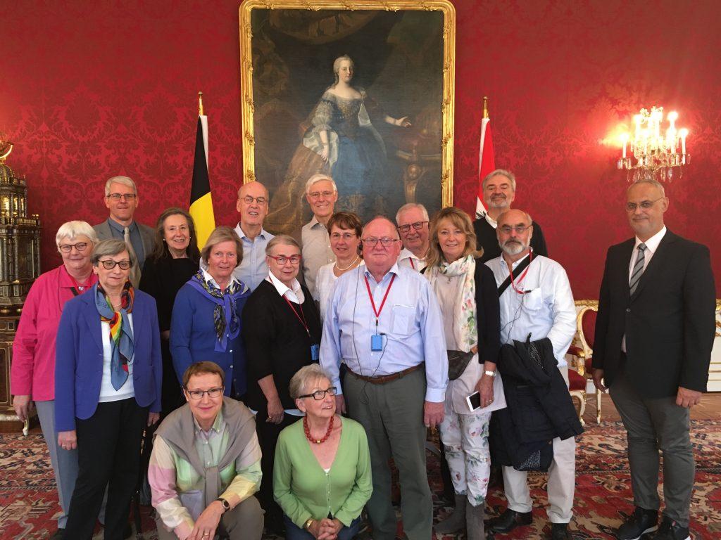 Unsere Reisegruppe im Empfangszimmer des österreichischen Bundespräsidenten in der Hofburg