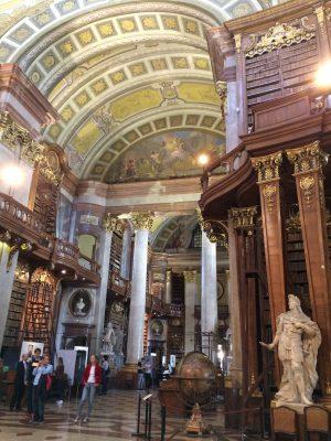 Blick in den Prunksaal der Österreichischen Nationalbibliothek