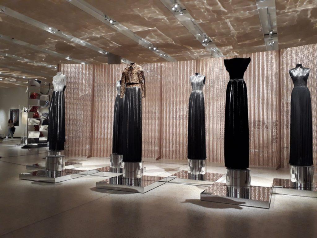 Ausstellung zum Modedesigner Azzedine Alaïa im Design Museum in London