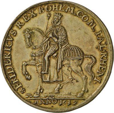 Friedrich auf einem prächtig geschmücktem Pferd