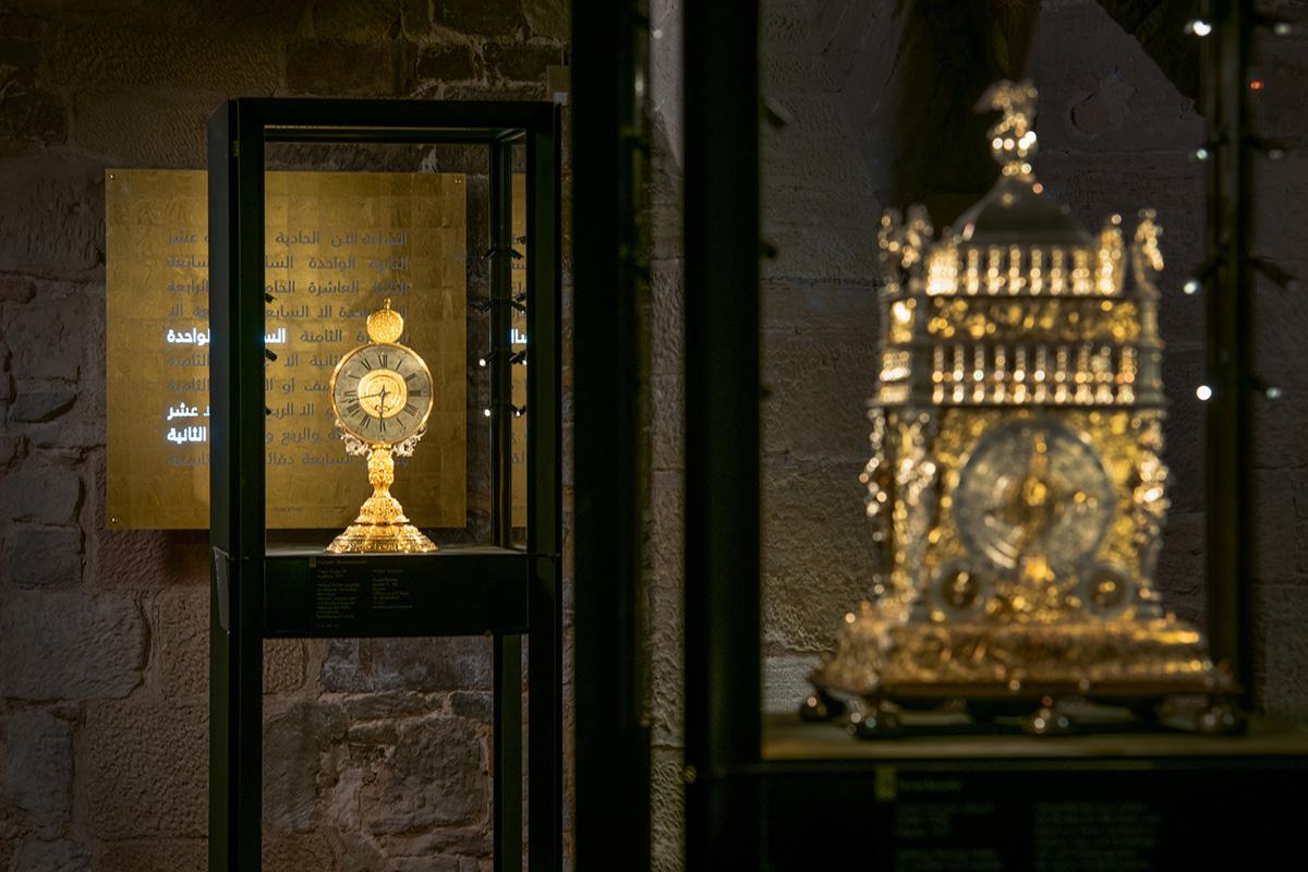 Uhrengewölbe mit Qlocktwo